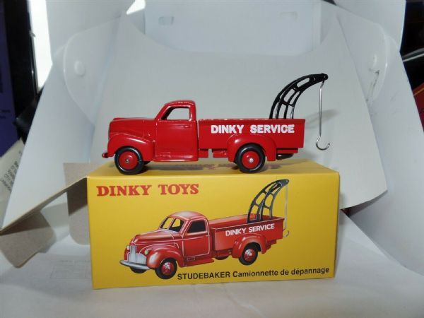 Atlas French Dinky   25R STUDEBAKER DEPANNAGE SERVICE RED TOW TRUCK MODEL